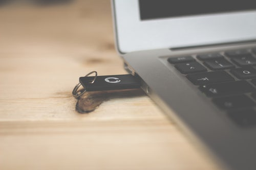 Six Ways to Safeguard Your USB Flash Drive