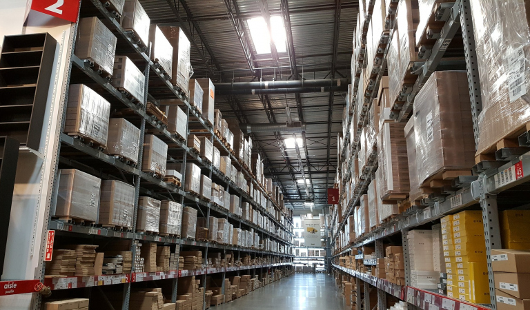How to Safely Organize Your Warehouse and Save Money