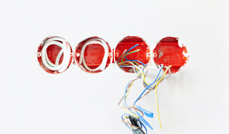 5 of the Most Common Electrical Problems You'll See in Your Home